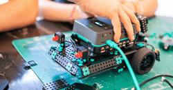 Unboxing the pi-top [4] Robotics Kit