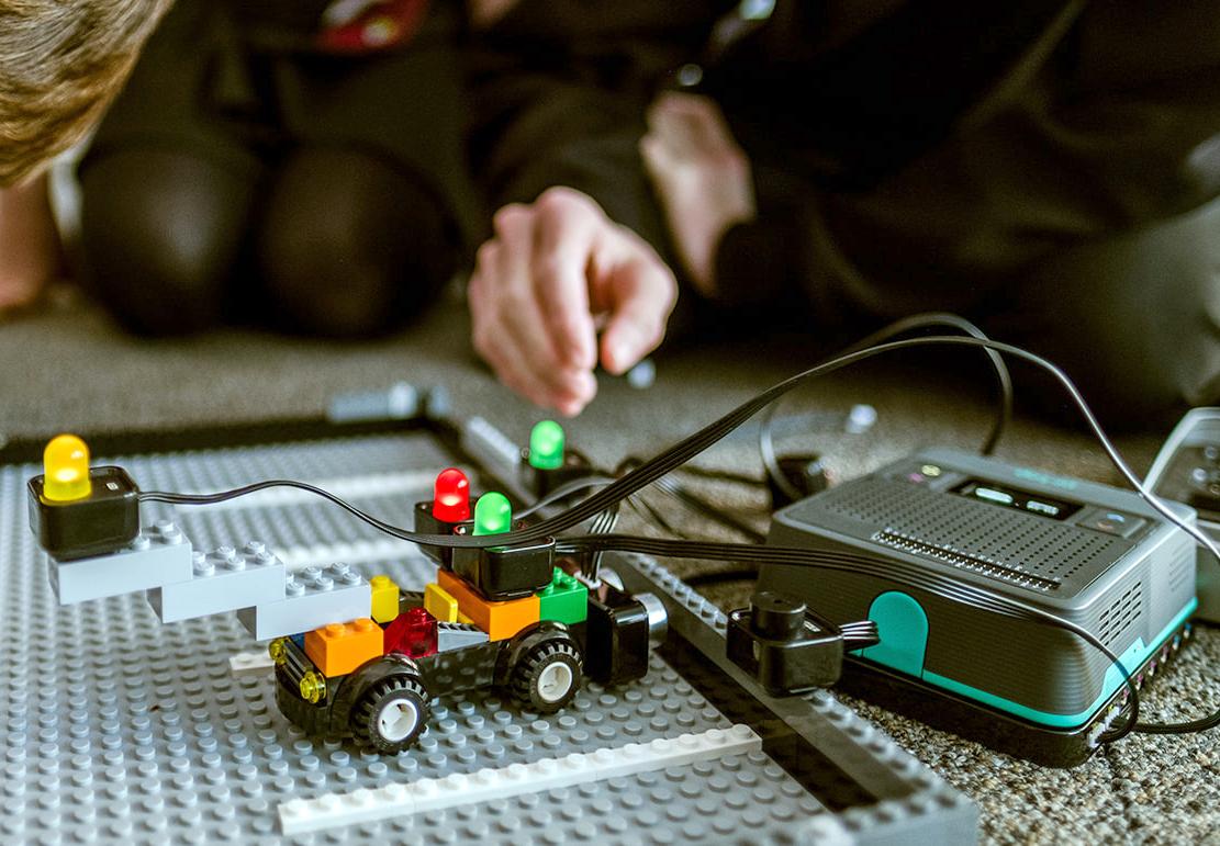 pi-top LEGO car
